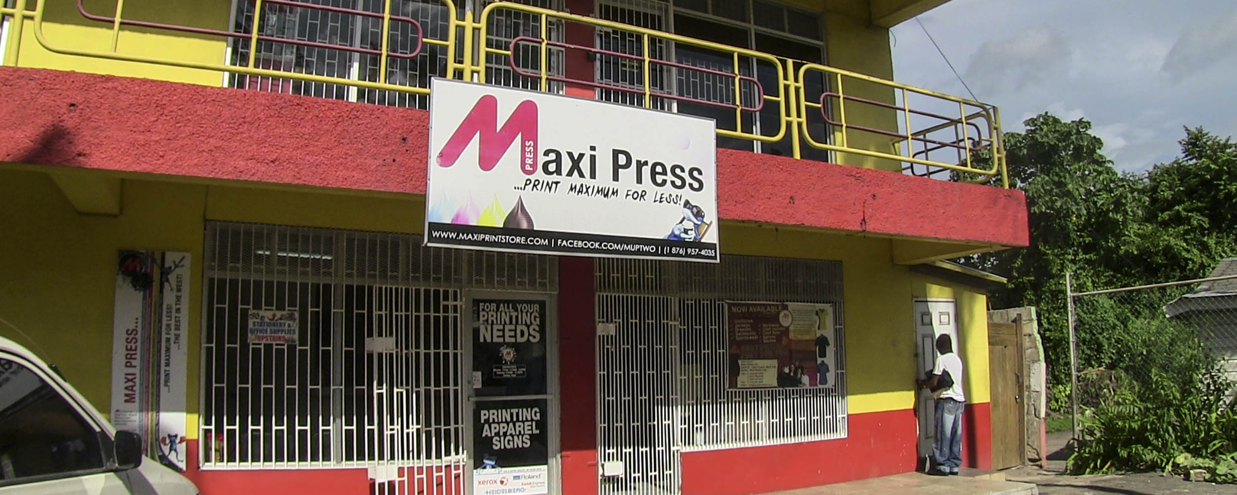Maxi Press - Kings Plaza - West End, Negril Jamaica